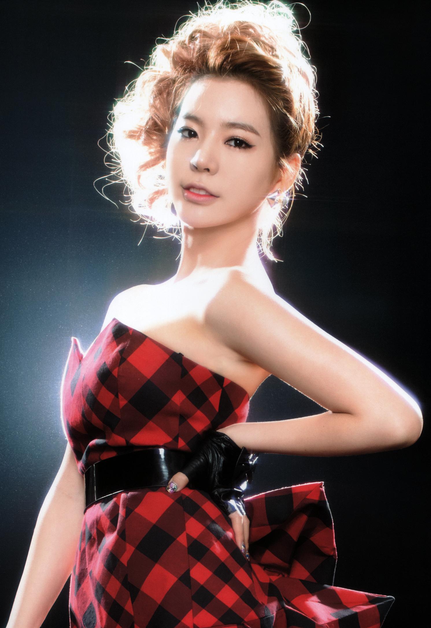 「♡」8 Años con Lee Soon Kyu (Sunny)「♡」 Snsd-2011-sunny